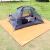 カラヤキャンプテートの布地席アウドゥア防水オックスフォード布レジャ湿気防止パッド3人-4人色ランダムHZ 1003